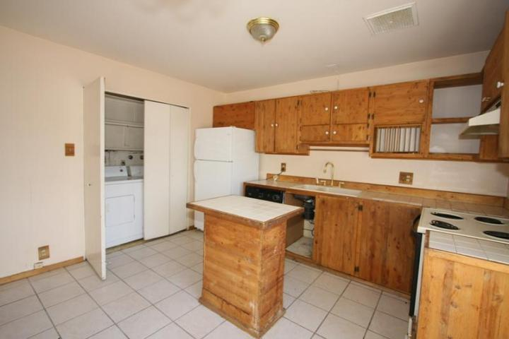 Image from Ugly House Photos