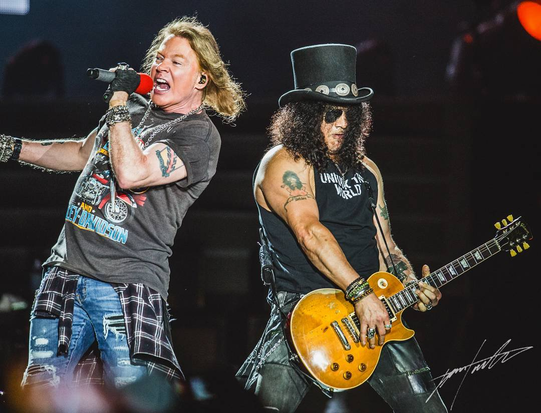 Image from Twitter @gnr_fans