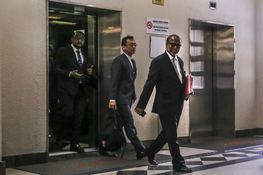 Shafee arriving at the KL Courts Complex earlier today.