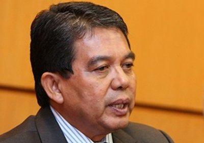 Datuk Seri Dr Hilmi Yahaya, Timbalan Menteri Kesihatan.