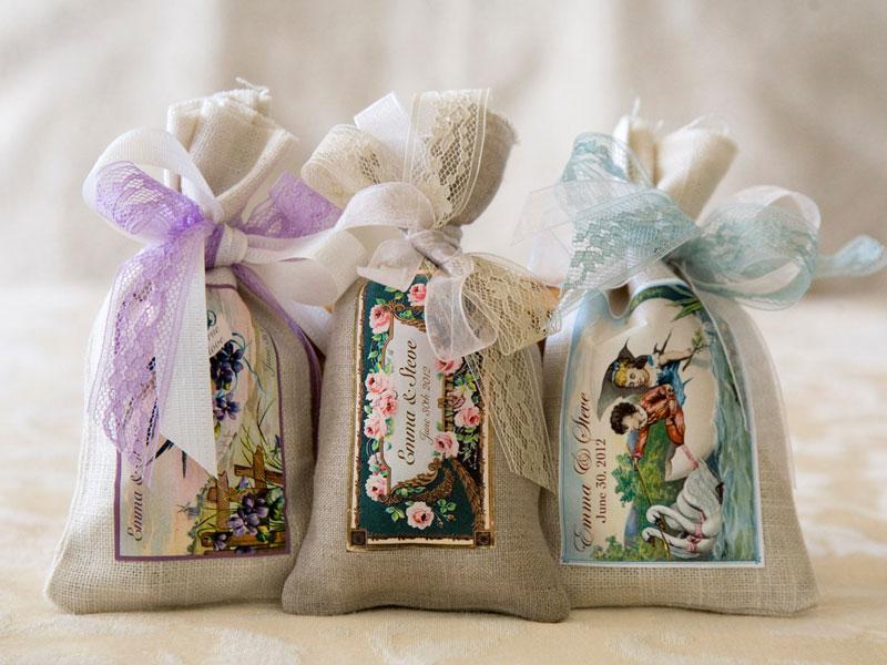 Door Gift Murah: [GAMBAR] 13 Door Gifts Paling 'Rare' Pernah Kami Lihat Di