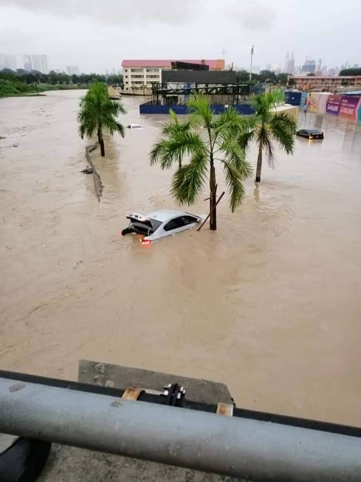 Flash flood KL