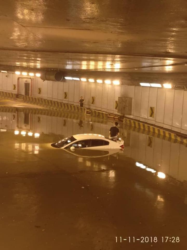 Smart tunnel flood