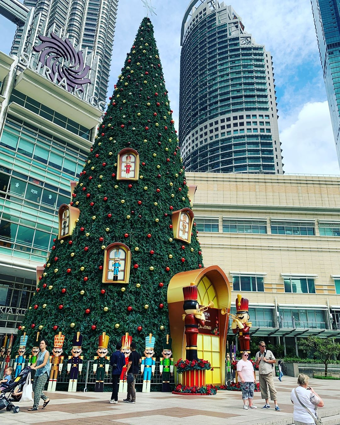 Christmas Decorations In Shopping Malls: [PHOTOS] 25 Malls In Malaysia With The Most Impressive