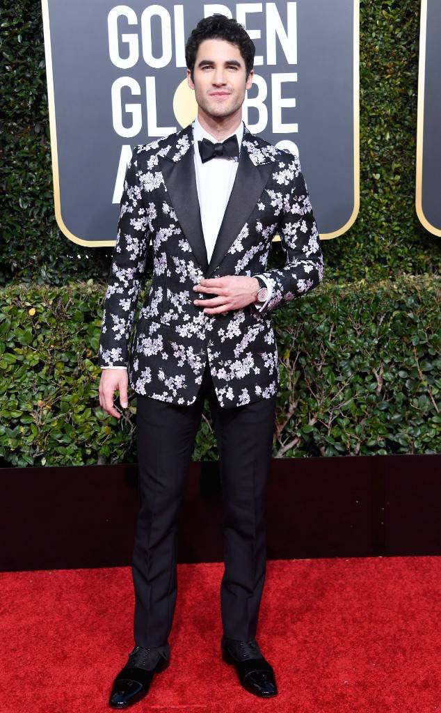 Darren Criss on the red carpet at the 76th Golden Globe Awards.