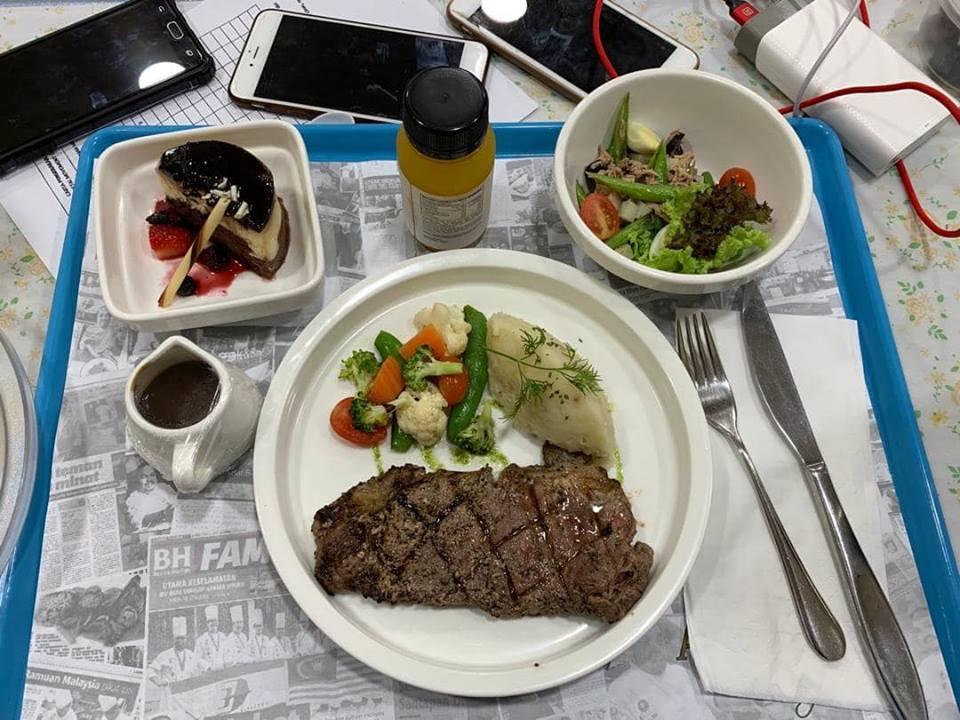 Menu petang disediakan oleh Andorra by Chef Zubir.