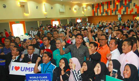 Syed Saddiq (centre) joined by students during the dialogue on 18 February.