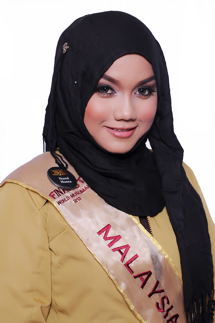 21-Year-Old Malaysian Girl Wins In Muslim Beauty Pageant