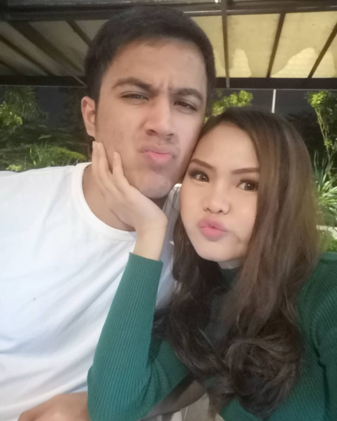 Aliff Aziz dan Bella Astilah.