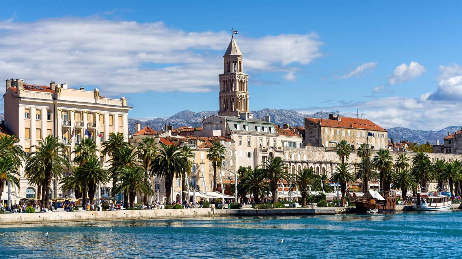 The Riva Promenade & south façade of the Diocletian Palace, Split