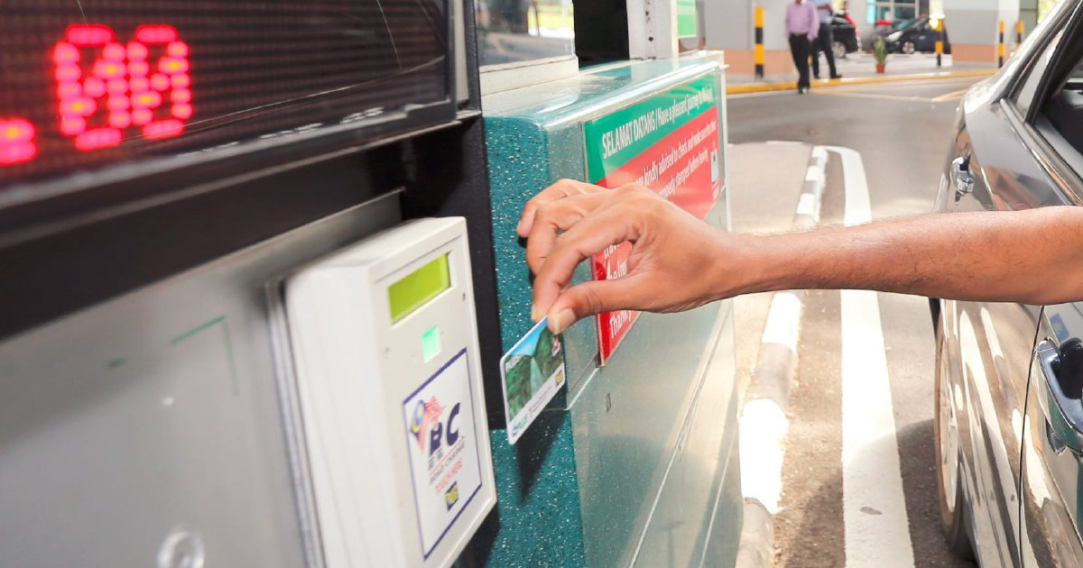 touch n go card tapped at toll from a car