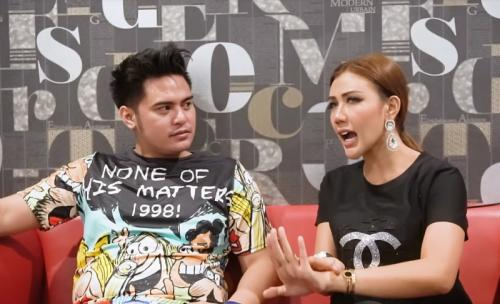 Galih Ginanjar (left) with Rey Utami (right) in her YouTube video.