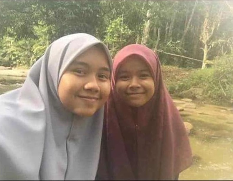 Nur Salsabila (left) and Nur Ain Sumayyah (right).