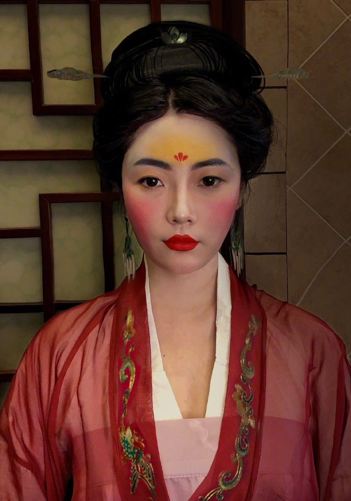 Chinese Netizens Try The Mulan Makeup Challenge