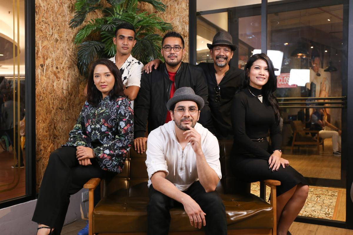 Clockwise from left: Vanidah Imran, Kodi Rasheed, Zain Hamid, Nam Ron, Zulaika Zahari, and director Sein Qudsi (seated).
