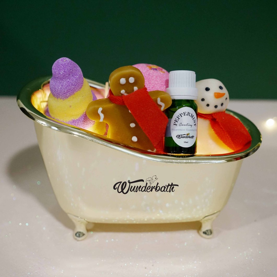 Christmas Carol Bath Set.