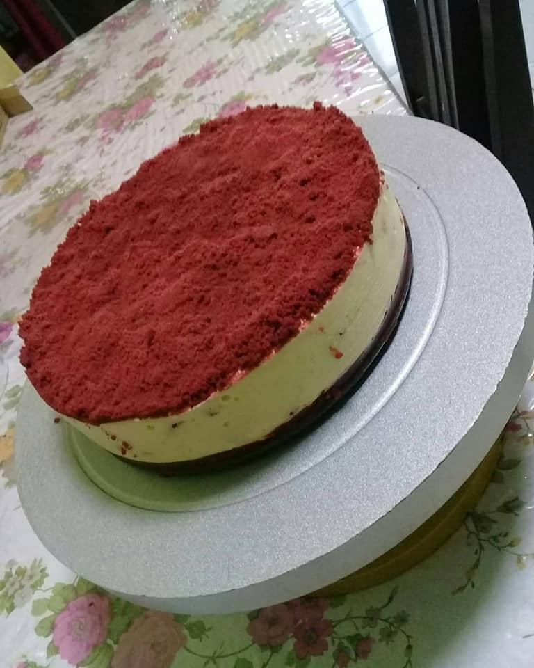 Image via Facebook Rohasliza Amat Resepi Red Velvet Oreo Cheesecake