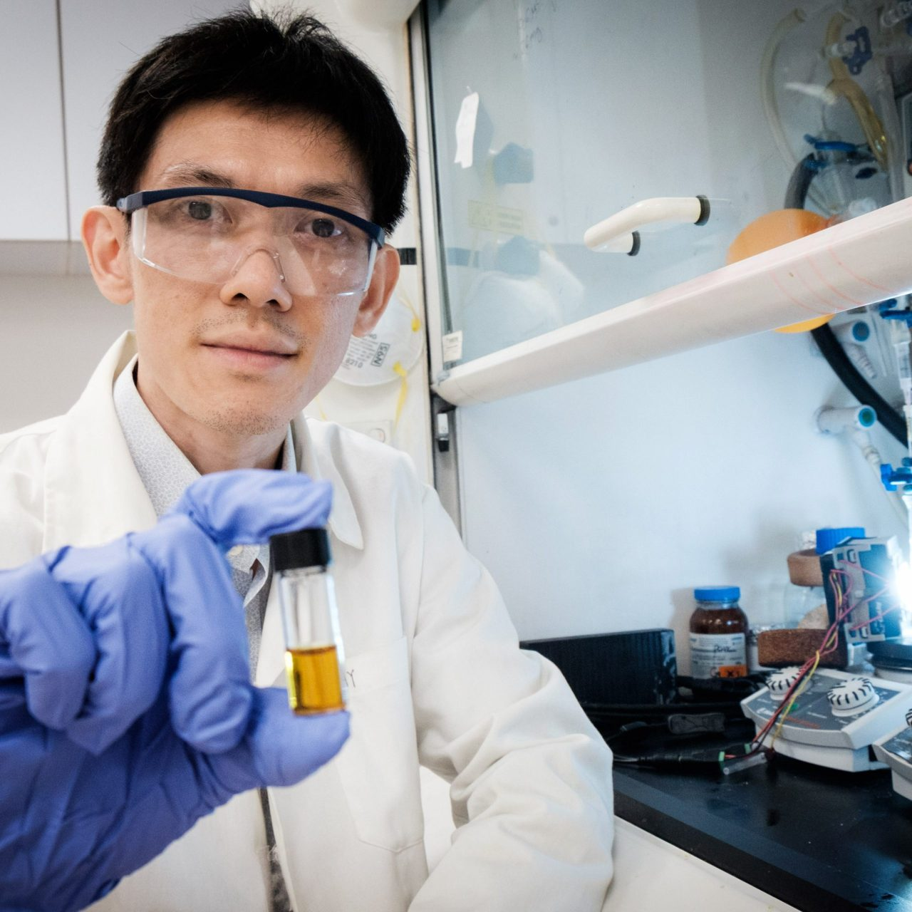 NTU School of Physical and Mathematical Sciences Assistant Professor Soo Han Sen with the plastic-photocatalyst mixture.