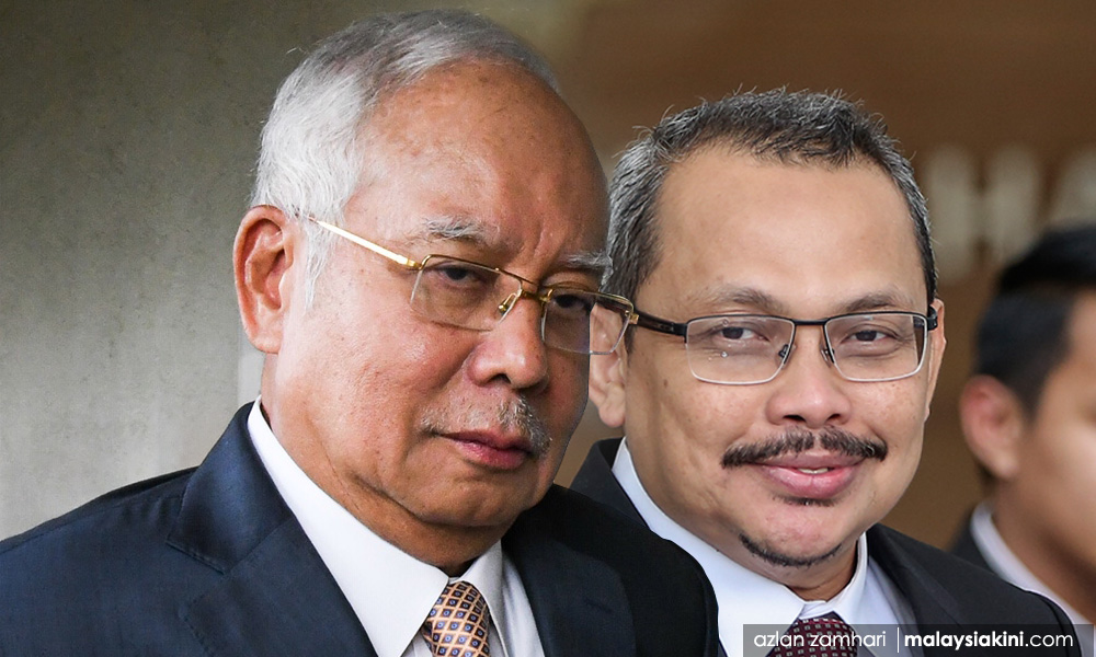 Najib with Dzulkifli, who was then a prosecutor at the Attorney General's Chambers.