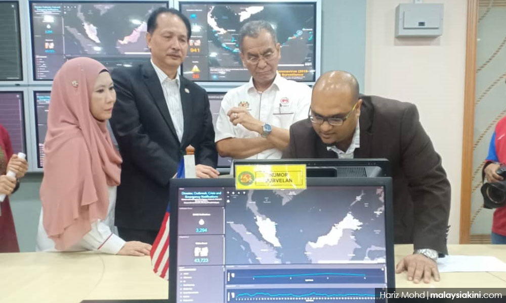 Health Minister Dr Dzulkefly Ahmad at Health Ministry CPRC - crisis preparedness and Response Centre.