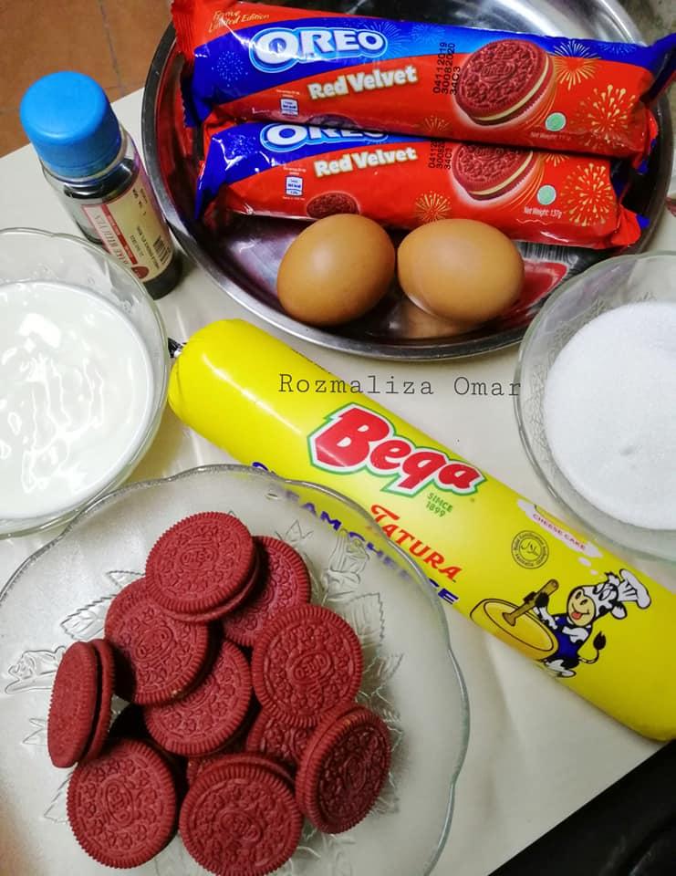Image via Facebook Rozmaliza Omar Resepi Red Velvet Oreo Cheesecake