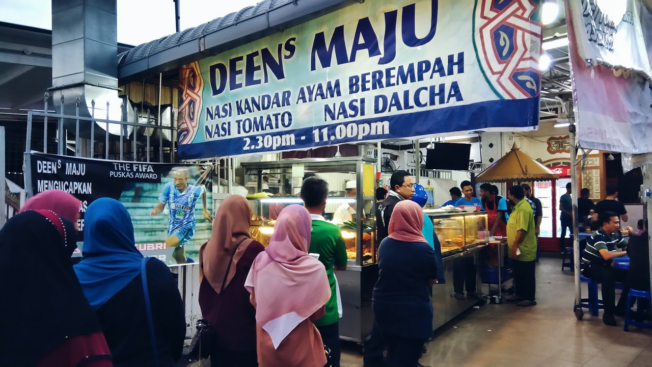 Customers queuing up at Deens Maju Nasi Kandar.