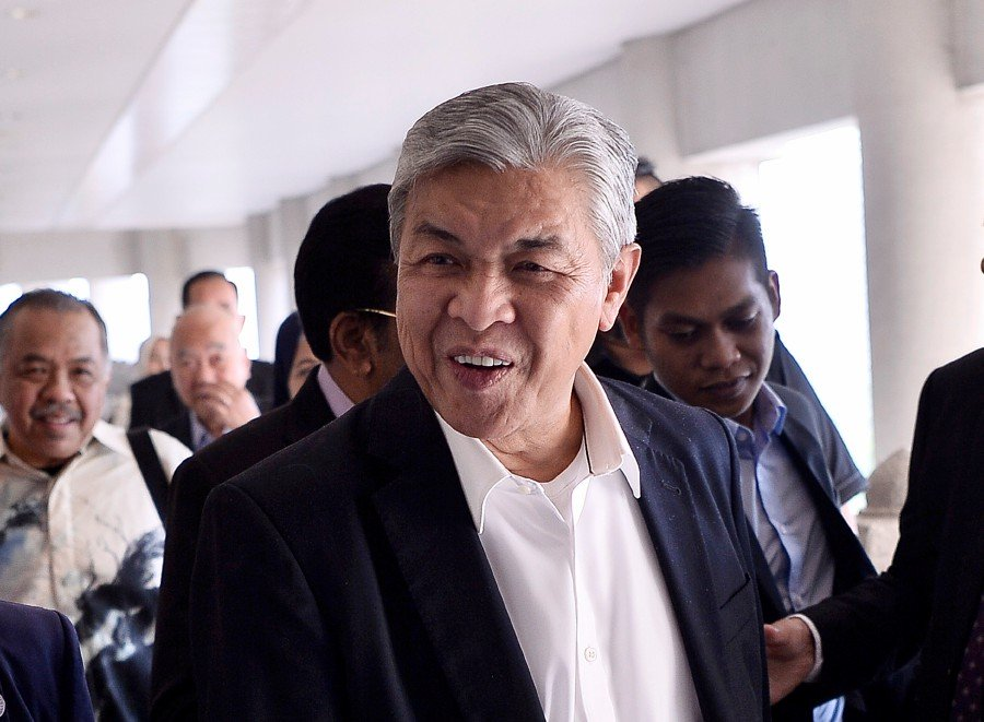 Zahid Hamidi at the Kuala Lumpur Courts Complex ahead of the trial on 3 March.