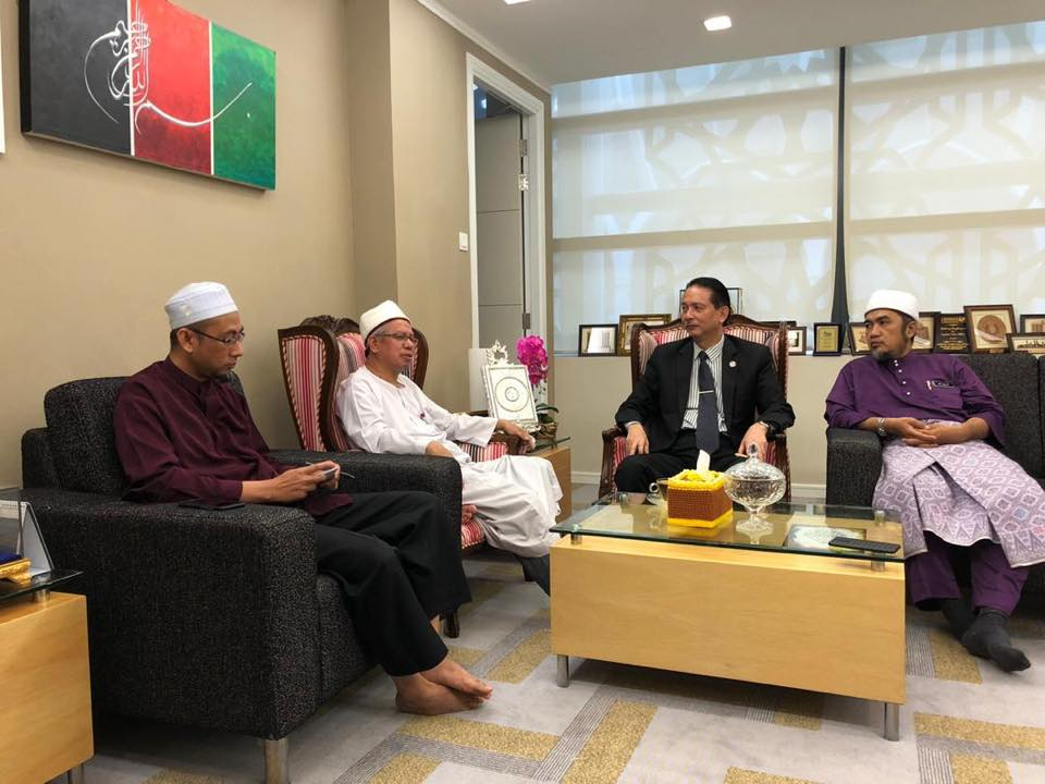 Dr Noor Hisham meeting with Zulkifli Mohamad, the Minister in charge of Religious Affairs, today, 12 March.