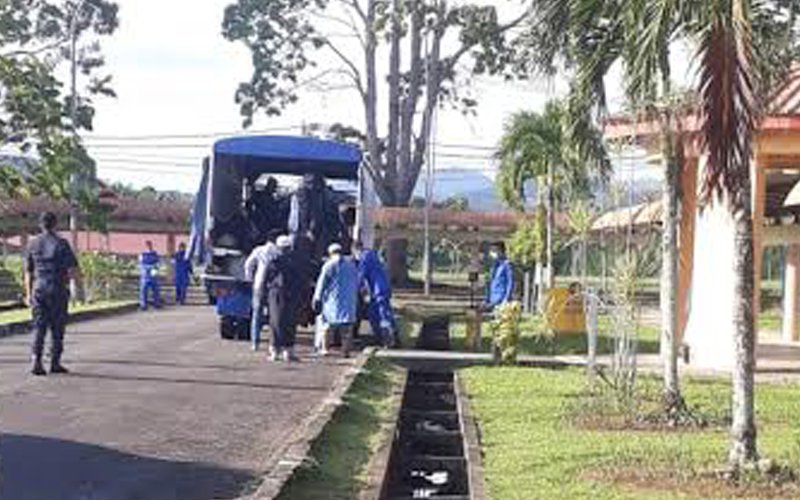 12 tabligh attendees were brought in by National Security Council personnel for quarantine upon arriving in Tawau.