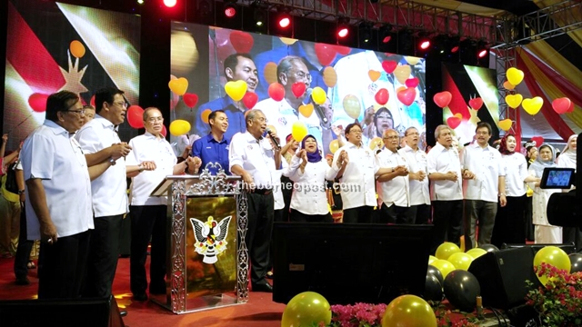 Adenan entertains the crowd with a few songs after his announcement in 2016.