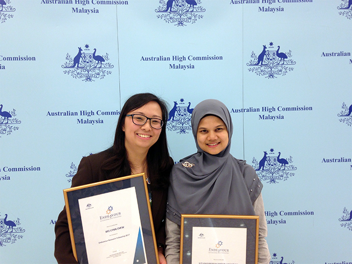 Dr Chew (left) announced as a recipient of the prestigious 2017 Endeavour Scholarships and Fellowships by the Australian Government.