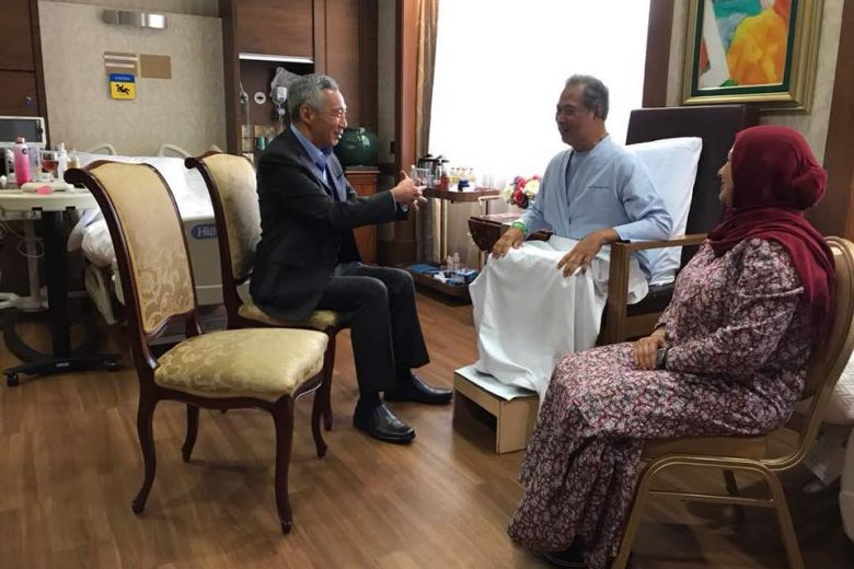 Singapore's Prime Minister Lee Hsien Loong visiting Muhyiddin at Mount Elizabeth Hospital in 2018.